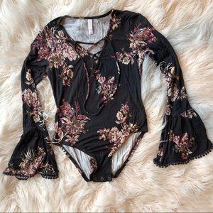 NWOT Xhilaration Grey Floral Bell Sleeve Bodysuit